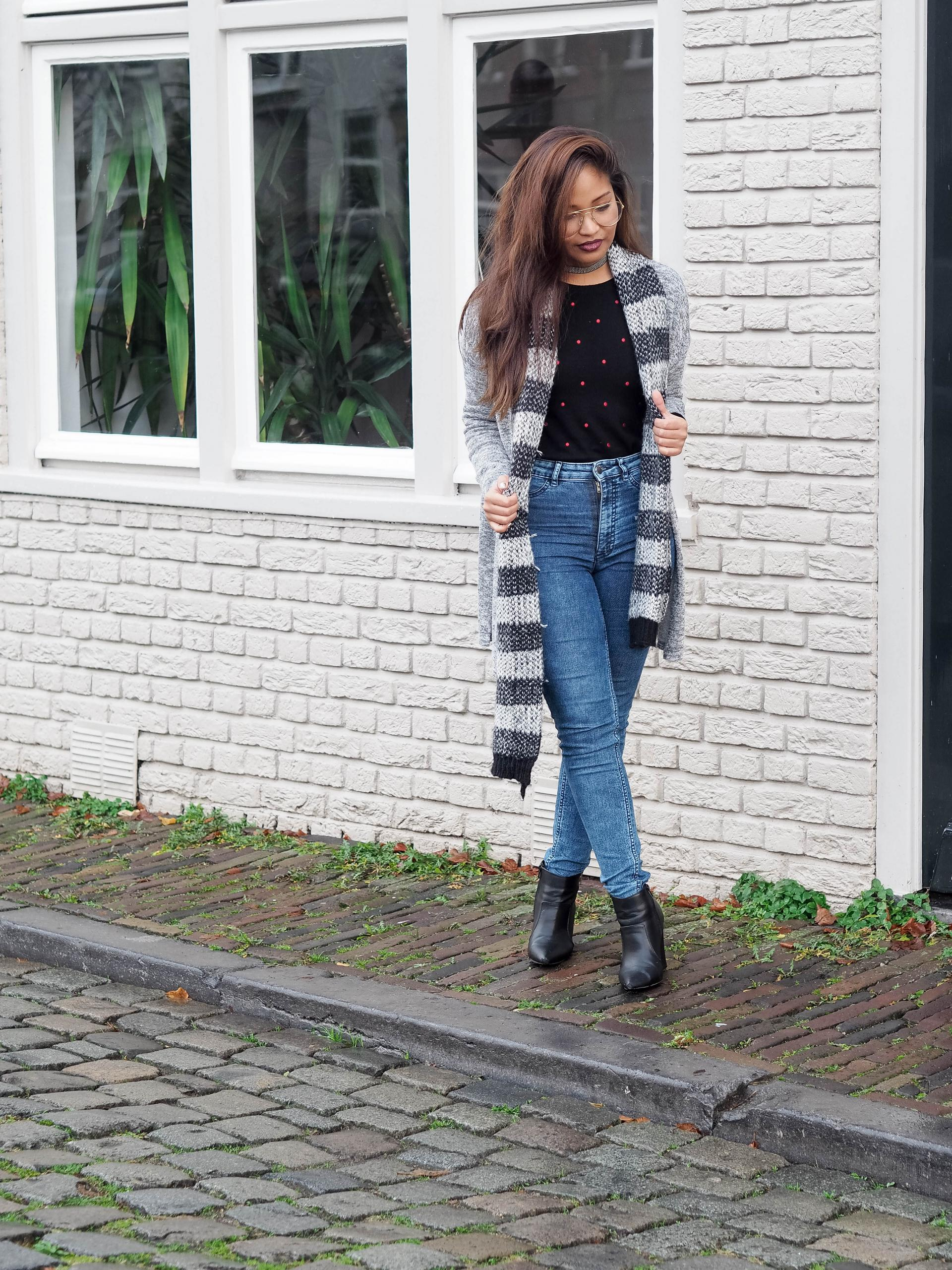 black-sweater-with-dots-10-van-11