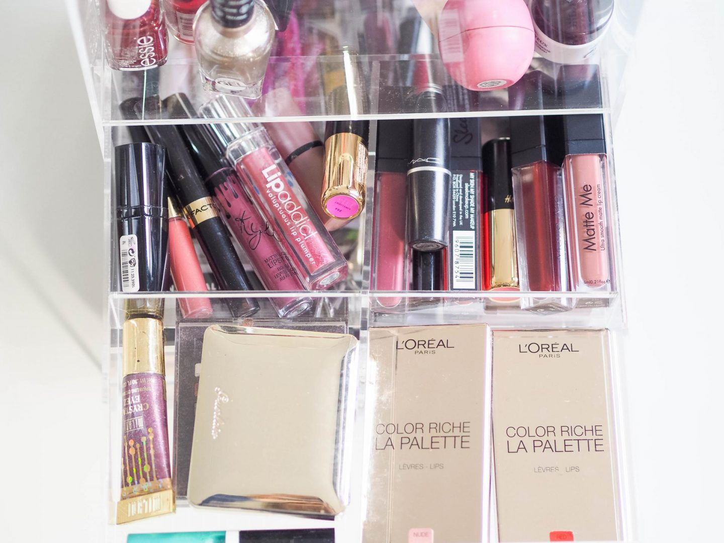 How to organize your make-up products