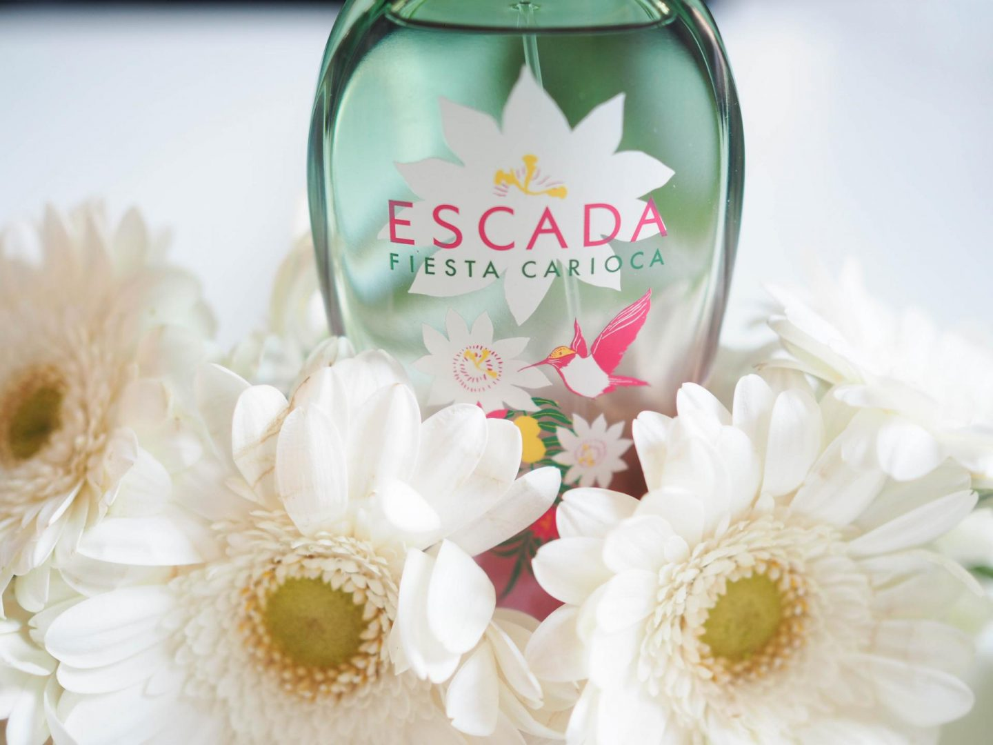Floral and fruity nuts with the new Escada Fiesta Carioca and feel the summer vibes, ARIBA!