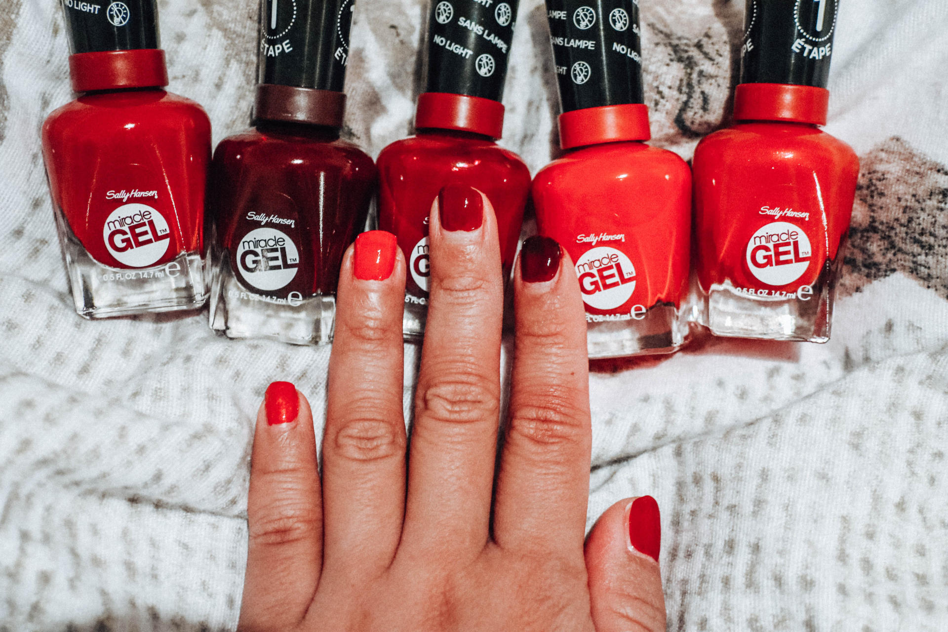 It\'s a holiday miracle with the five red nail polishes from Sally Hansen